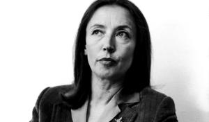 Oriana Fallaci. Una donna, una giornalista, una scrittrice che così come seppe fare in vita, continua a dividere anche dall'Aldilà. Esempio di lungimiranza per tanti (me compreso, ndr), simbolo di ideali da combattere per qualcun altro.