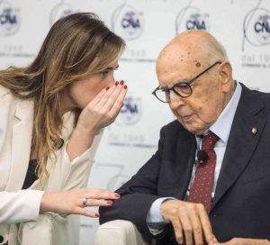 Maria Elena Boschi e Giorgio Napolitano, ovvero il braccio e la mente del tentativo di radere al suolo l'Ordinamento Statuale nato con la Costituzione Repubblicana.